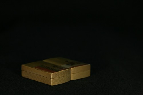 Kobako in the shape of an open book - Asian Works of Art Style
