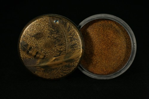 19th century -  Lacquer Box decorated with feathers