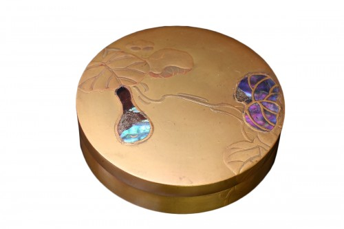 Kobako en lacquer and mother-of-pearl inlay