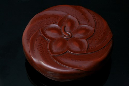 Kobako in red lacquer - Asian Works of Art Style