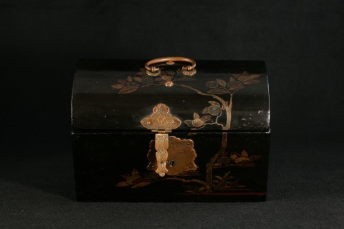 """Asian Works of Art  - Japanese lacquer box in """"pictorial"""" style."""