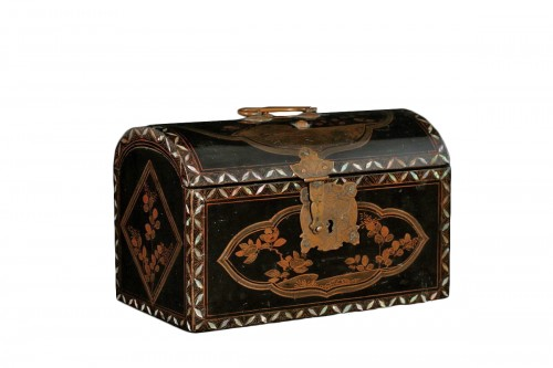 """Japanese lacquer box in """"Transition"""" style"""