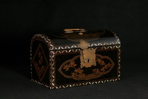 """Japanese lacquer box in """"Transition"""" style  -"""
