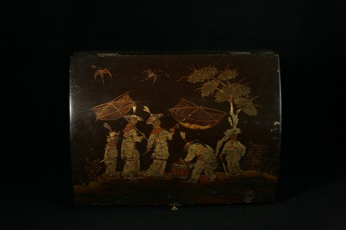 Wig box in Martin varnish with decoration 5 fishermen  - Decorative Objects Style