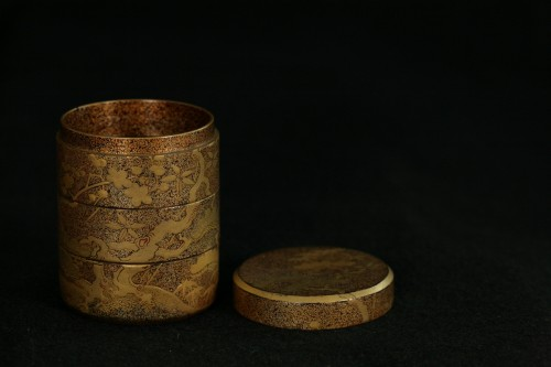 Asian Works of Art  - Three case  kogo with decoration of pines and cherry tree