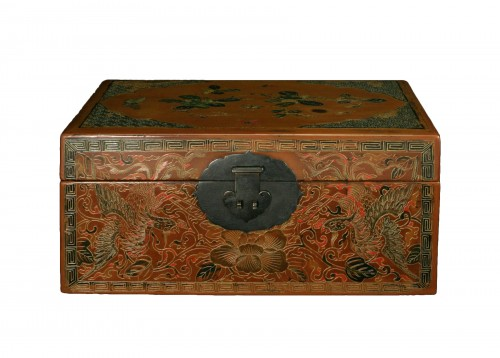 Engraved Chinese lacquer document box with phoenixes and butterflies