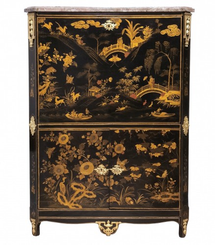 A Louis XVI 18th c. Chinese lacquer secretaire by L. Foureau