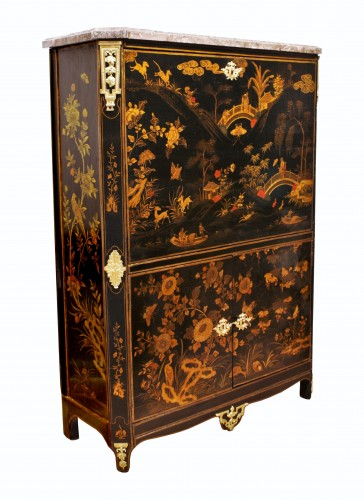 A Louis XVI 18th c. Chinese lacquer secretaire by L. Foureau -