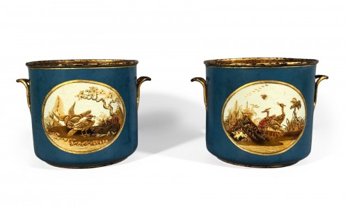 Pair of Wine Bottle Coolers in vernis Martin, Paris, circa 1770