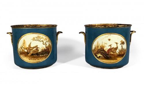Rare pair of bucket bottles in blue Martin varnish, Paris circa 1770