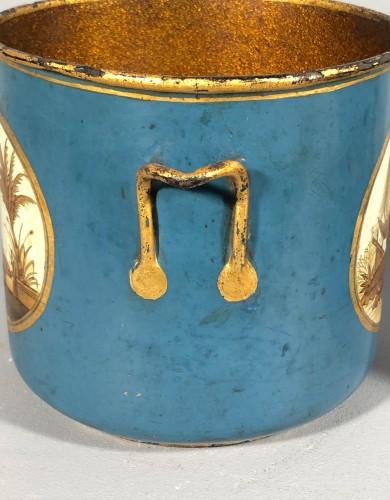 Louis XV - Rare pair of bucket bottles in blue Martin varnish, Paris circa 1770