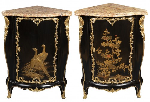 Pair of Japanese lacquer corner cupboards by Delorme, Paris circa 1750