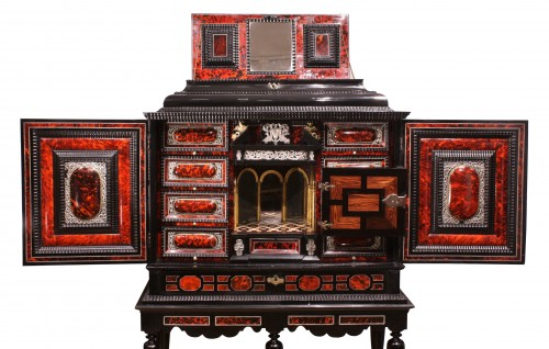 An Antwerp 17th c. tortoiseshell and silver mounted cabinet - Furniture Style Louis XIV