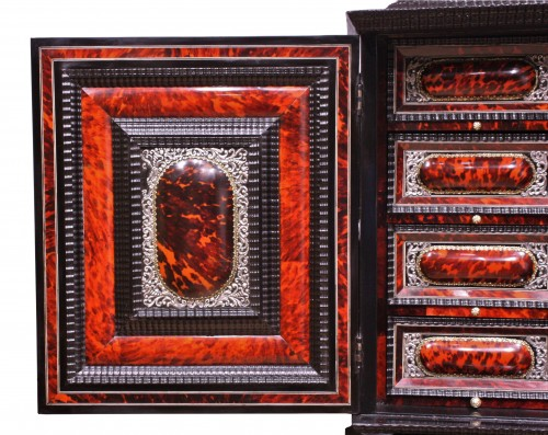 Antiquités - An Antwerp 17th c. tortoiseshell and silver mounted cabinet