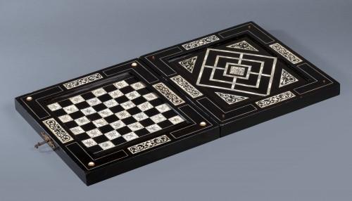 Antiquités - Ivory and ebony games board, Augsburg, circa 1630, workshop of Baumgartner