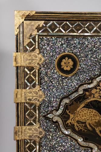 Namban Lacquer and mother-of-pearl cabinet, Japan circa 1600 - Renaissance