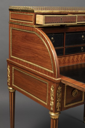 Antiquités - Louis XVI cylinder secretary attributed to F. Bury