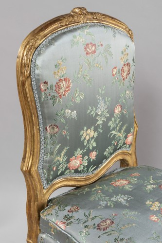 18th century - A Louis XV pair of giltwood chairs