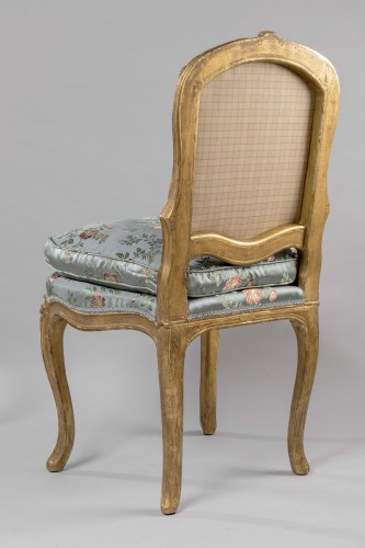 A Louis XV pair of giltwood chairs - Louis XV
