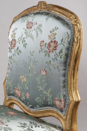Louis XV - A Louis XV pair of giltwood chairs