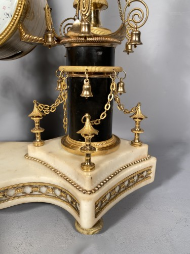 Louis XVI -  18th Chinese double pagodas clock, Paris, Louis XVI