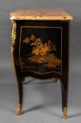 Louis XV - 18th European lacquer commode, P. Roussel,Paris circa 1765