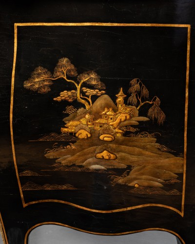 Antiquités - 18th European lacquer commode, P. Roussel,Paris circa 1765