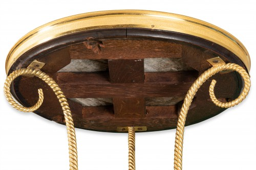 Antiquités - 18 th  French fine Tripod pedestal table in gilded bronze