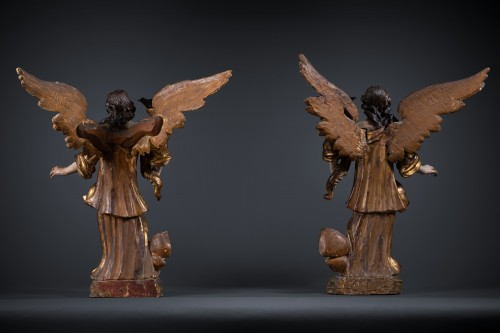 Antiquités - A 17th c. North Italian pair of candle-holder angels