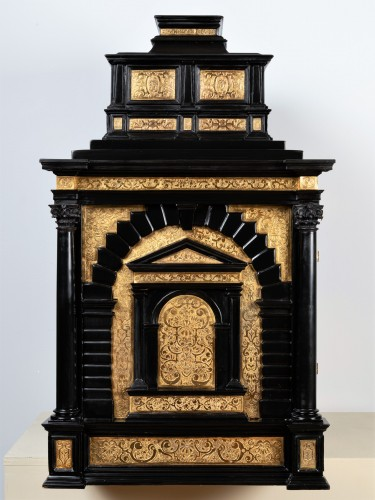 <= 16th century - A 16th c. Nuremberg important ebony and brass cabinet