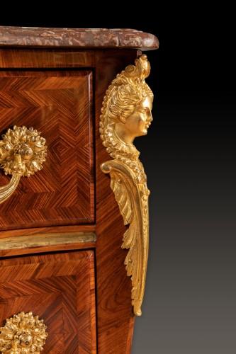 Antiquités - A Regence ormolu-mounted kingwood commode, stamped A. Criaerd