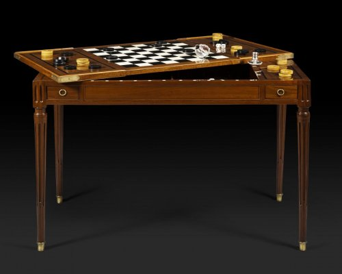 "Louis XVI period game table, called ""tric trac"", stamped by Fidelys SCHEY -"