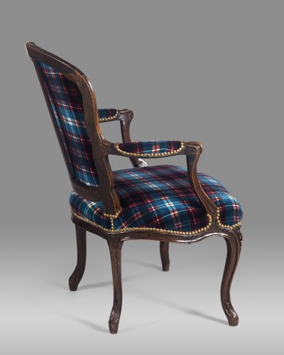 Fine Louis XV period armchair stamped by Étienne MEUNIER -