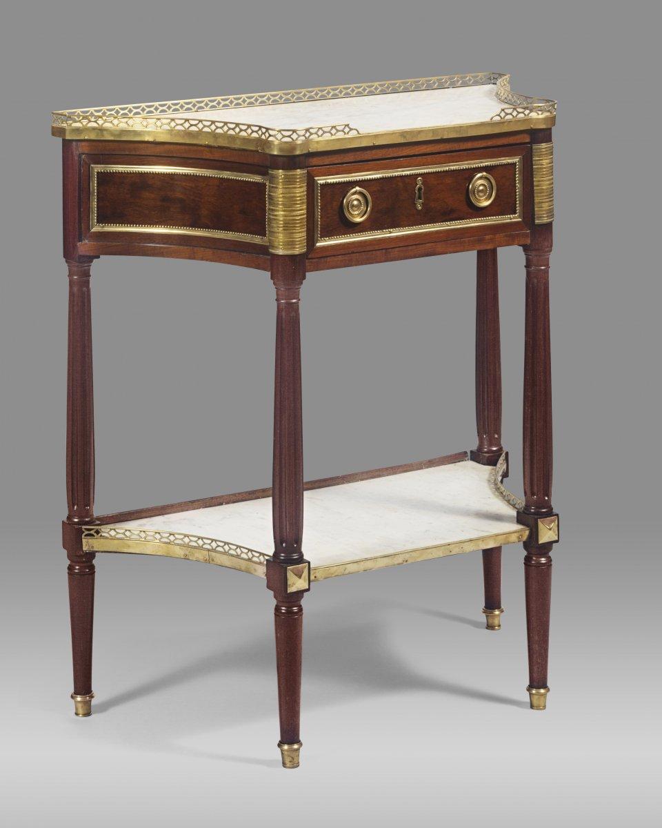 louis xvi period table console in mahogany. Black Bedroom Furniture Sets. Home Design Ideas