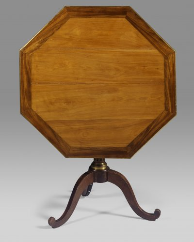 Furniture  - Late 18th century French Louis XVI octagonal tripod table or gueridon