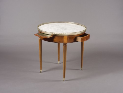 "Gilt-brass mounted mahogany guéridon ""bouillotte"" table Directoire, 18th c. - Furniture Style Directoire"