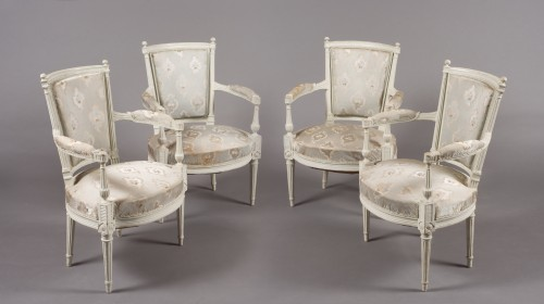 Suite of four lacquered fauteuils en cabriolet, Directoire, late 18th c. - Seating Style Directoire
