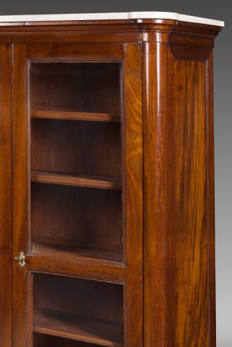 Louis XVI mahogany vitrine or bookcase, stamped Stöckel. 18th century. -