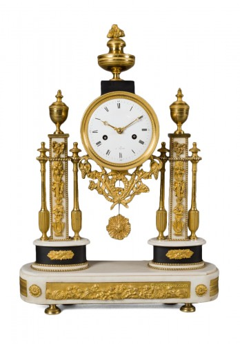 French Louis XVI period white Carrare marble clock