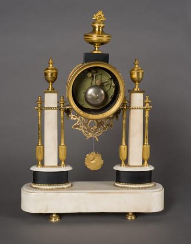 French Louis XVI period white Carrare marble clock - Clocks Style Louis XVI