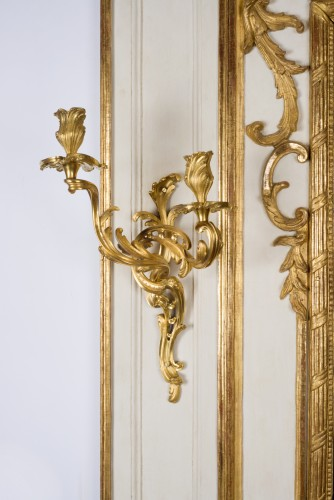 Mirrors, Trumeau  - Rare Régence (1715-1723) trumeau and Louis XV period wall lights