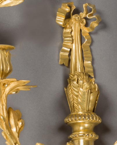 Exceptional pair of wall lights, Louis XVI period, end of the 18th century - Lighting Style Louis XVI