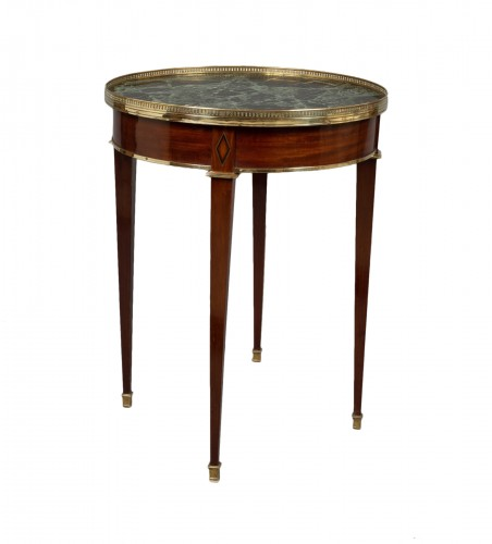 "Gilt-brass mounted mahogany guéridon ""bouillotte"" table Directoire, 18th c."