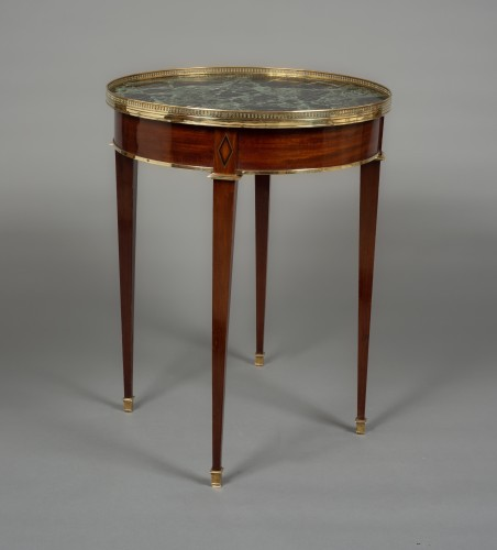 """Gilt-brass mounted mahogany guéridon """"bouillotte"""" table Directoire, 18th c. - Furniture Style Directoire"""