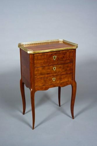 Table de salon chiffonnière Transition Louis XV-Louis XVI stamped COIGNIARD -