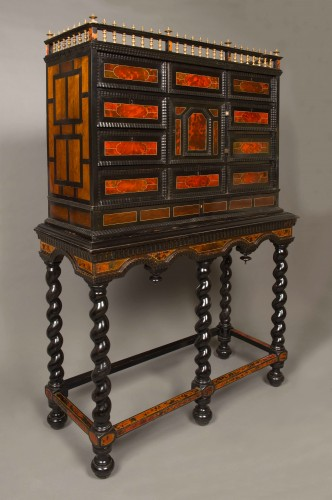 Flemish cabinet in ebony and tortoise shell veneer, Antwerp 17th century - Furniture Style Louis XIV