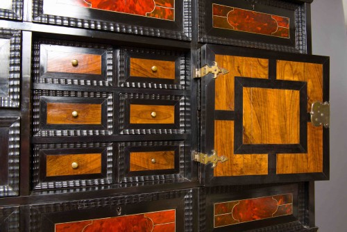 17th century - Flemish cabinet in ebony and tortoise shell veneer, Antwerp 17th century
