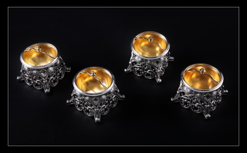Four solid silver salt cellars by FRAY FILS and TOURON, Paris 1875-1891 - Antique Silver Style