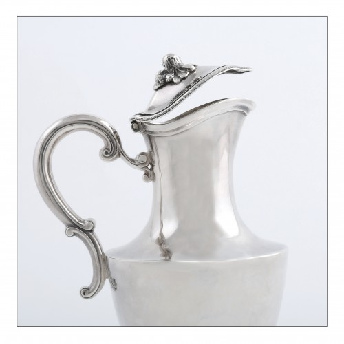 Travel ewer in solid silver by L.-J. MILLERAUD-BOUTY, Paris, 18th century -