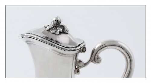 18th century - Travel ewer in solid silver by L.-J. MILLERAUD-BOUTY, Paris, 18th century